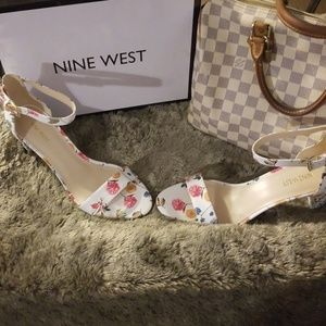 Brand New Nine West Pruce Sandals